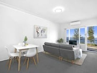 #6 Ocean View South Pacific Apartment, casa vacanza a Brighton le Sands