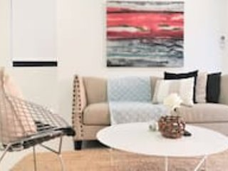 G01 2 Bedroom Courtyard Kalina Apartment, casa vacanza a Padstow