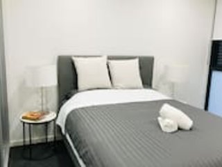 504 2 Bedroom in Kalina Serviced Apartments, casa vacanza a Padstow