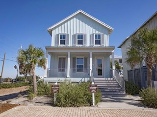 Cottages at Romar 3 Bedroom ~ Sleeps 8! ~ Crystal Paradise ~ Beach/Pool Access