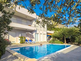 Nice apartment in Makarska w/ Outdoor swimming pool and 1 Bedrooms