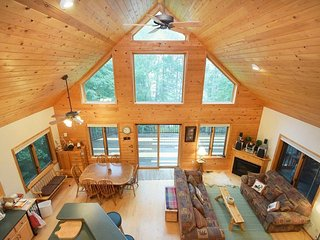 Chalet Lake Home on Pear Lake near snowmobile, ATV and cross-country ski trails