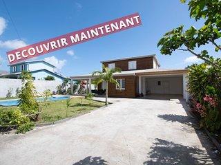 Villa Niagara in Sainte-Suzanne I Private Concierge I Keylodge