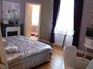 Chambre Lila pour 2 personnes au Chateau des Tourelles en Vendee