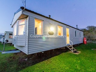 8 berth caravan to hire at Sunnydale holiday park Skegness Lincs ref 35239