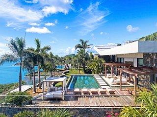 EMERAUDE...  Fabulous WOW villa! GORGEOUS, modern oceanfront villa in beautiful