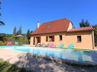 ***NEW*** AIRY MODERN VILLA WITH POOL & MATURE ENCLOSED GARDEN IN SARLAT