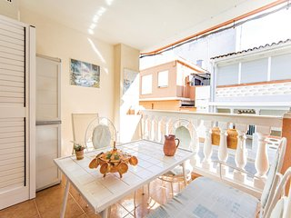 Beautiful apartment in Chilches w/ 3 Bedrooms