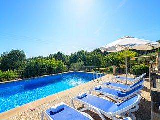 Campanet Villa Sleeps 6 with Pool Air Con and WiFi - 5821716