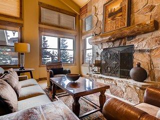 Beautiful ski-in/ski-out Deer Valley Resort condo in Silver Lake w/ hot tub!
