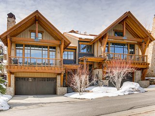 Luxurious, four-level townhome w/ a private hot tub & shared, heated pool & gym