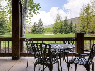 Deer Valley base area condo w/ private hot tub & wonderful view!