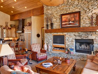 Fabulous Deer Valley home w/ a private hot tub, pool table, & fitness room!