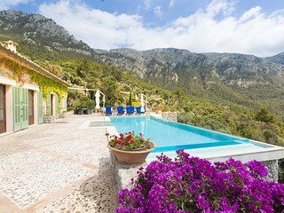 Villa Scarlet - Sea view, terrace and pool