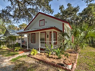 NEW! Cozy Coastal Retreat <2 Mi to Gulf of Mexico