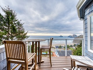 Dog-friendly condo w/ ocean views, private balcony & great location!