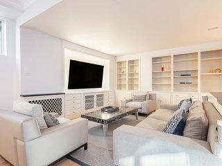 Elegant & Spacious 2-Bedroom House w/Patio in Chelsea