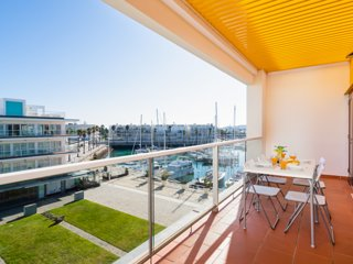 Lagos Marina ⭐ AC & Fast WIFI | Garage | Balcony
