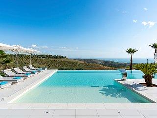 Ribera Villa Sleeps 6 with Air Con - 5821655