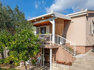 Nice home in Komarna w/ 2 Bedrooms (CDR380)