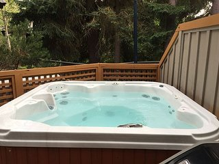 109 Glaciers Reach, a 2br home with a hot tub & pool in Whistler Village