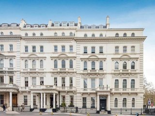 Knightsbridge SW7, Spectacular and special 6 bedroom house, air cond, elevator