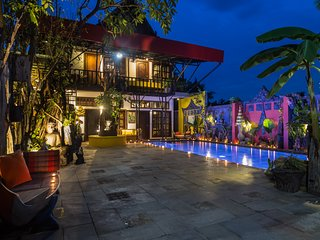 New Art House With Private Pool, Close to Angkor and Center
