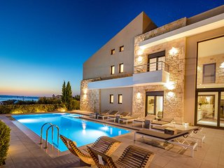 GM Villas - Villa Karga with private swimming pool and gym