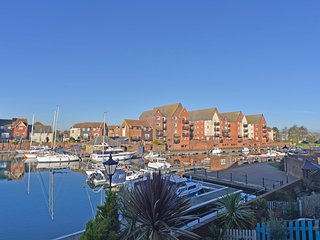 Marina Views Townhouse with 5 Bedrooms for Familes and Friends in Harbour