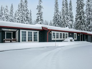Amazing home in Trysil w/ Sauna, WiFi and 3 Bedrooms (N30628)