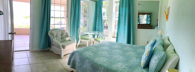 Ocean room with queen bed