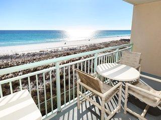 Pelican Isle Resort, Unit 305