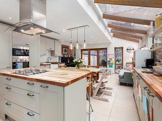Stunning Victorian Shepherd Bush House - IBK