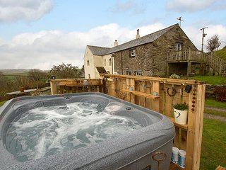 Hayloft - Stunning Studio Barn Conversion For 2 & Hot Tub, west Cumbrian coast