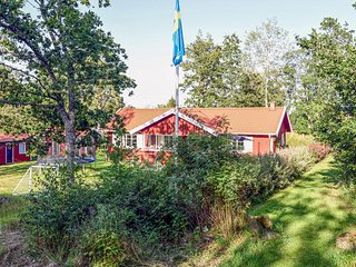 Amazing home in Brastad w/ Sauna, 2 Bedrooms and WiFi