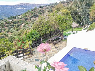 Amazing home in Jubrique w/ Outdoor swimming pool, Outdoor swimming pool and 4 B
