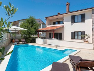 Stunning home in Pula w/ WiFi, 3 Bedrooms and Outdoor swimming pool (CIR339)