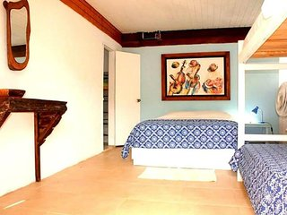 Private room in ecotourism lodge with swimming pool on San Andres Island