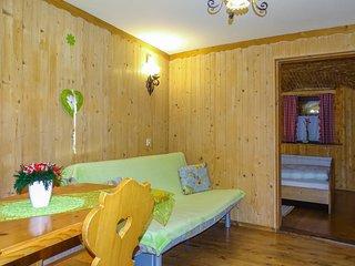Beautiful apartment in Begunje na Gorenjskem w/ WiFi, Outdoor swimming pool and