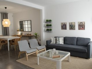 ANNA BEACH HOUSE - next to the beach and 15 km. from Barcelona