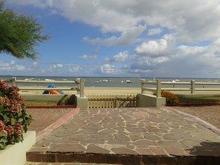 Appartement sur le bassin front de mer
