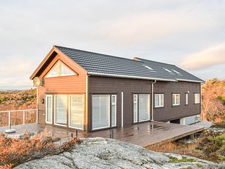 Stunning home in Lindesnes w/ 6 Bedrooms (NVK122)