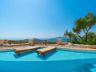 Kalkan Villa Sleeps 6 with Pool Air Con and WiFi - 5821725