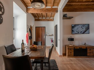Sweet Home Santa Trinita, Florence - stylish & cozy 2 bedrooms, up to 5 persons