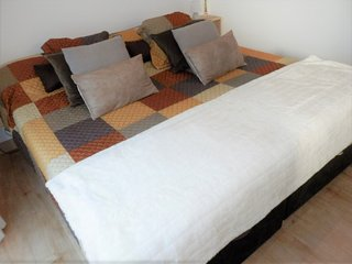 Awaiting you at Chez Nous the 1 bedroom home with a sea view. Sleeps 2 Guests