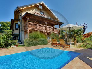 Beautiful home in Donja Zelina w/ Outdoor swimming pool and 3 Bedrooms