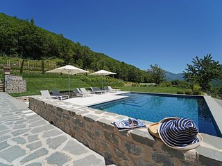 VILLA VITTORIA 8 Pax, Pool, WI-FI, Bocce court, Panoramic view, near to 5 Terre