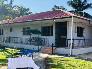 LARGE SECURE 3 BED/3 BATH HOUSE NEAR BELIZE ZOO & CAVE TUBING