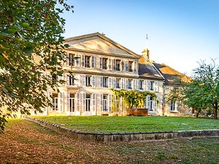 Demeure d'exception a seulement 10 min d'Epernay parc privatif de 10 hectares