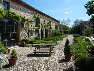 Amazing house with garden & Wifi